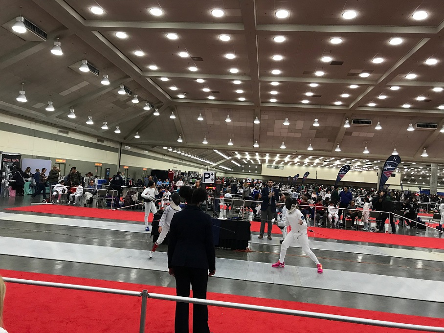 How to Prepare for the Unique Challenges of a Large Fencing Competition