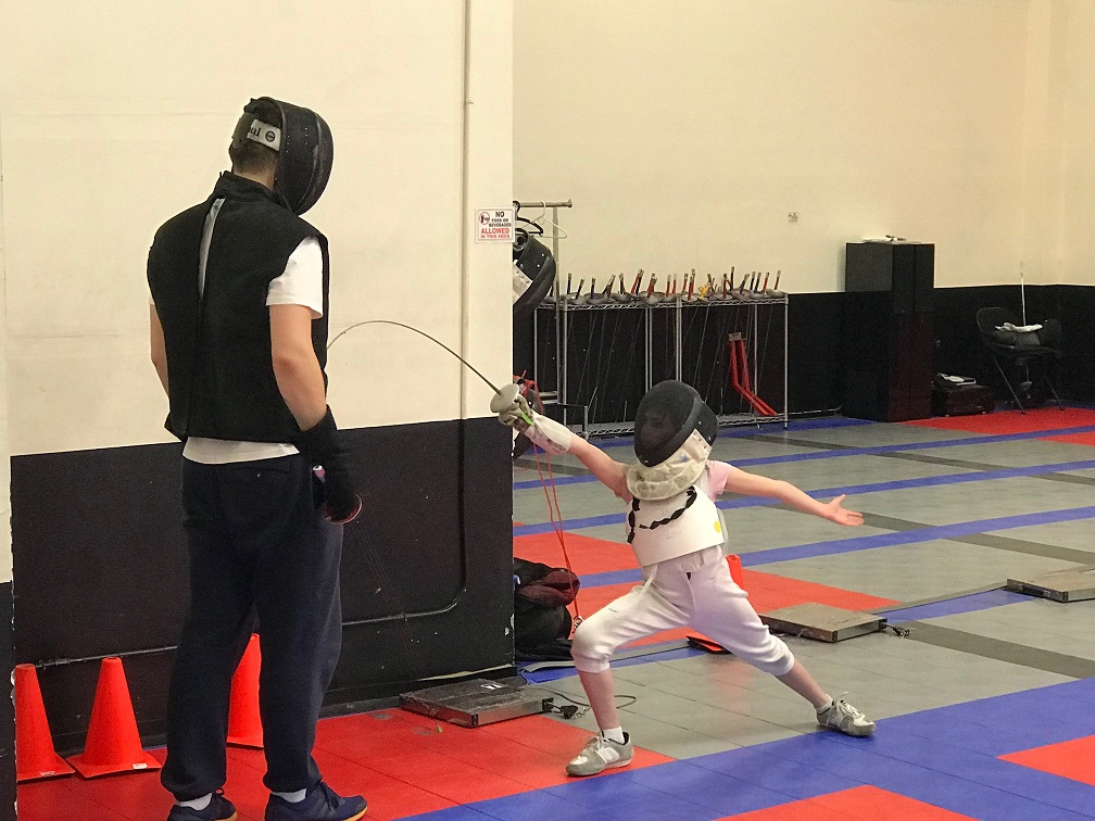 Why Your Child Should Take Private Fencing Lessons
